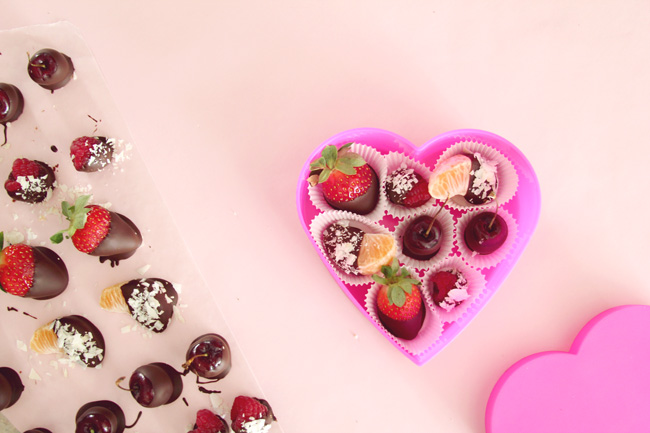 Chocolate Covered Fruit- a healthy valentine\'s day treat