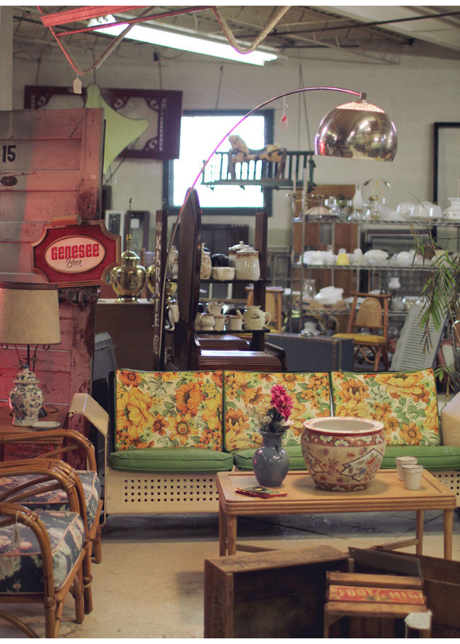 Best Vintage Store In Akron Ohio My Visit To The Bomb