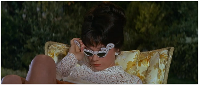 What a Way to Go 1966 - Making Nice in the MidwestShirley Maclaine What A Way To Go