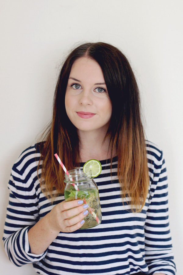 vodka mojitos in a jar from Amanda Thomas of Here Comes the Sun
