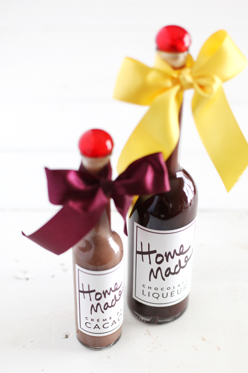 Make your own chocolate liqueur to give as gifts with this recipe and printable bottle labels.