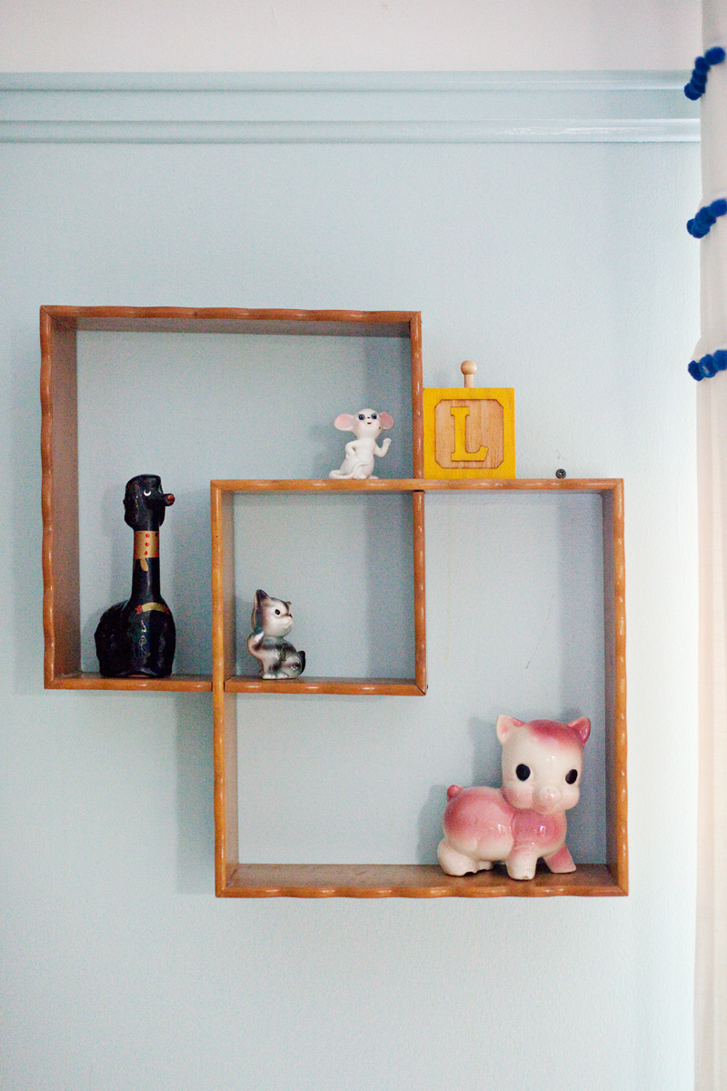 interlocking vintage shelves