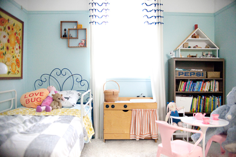 vintage little girl's room