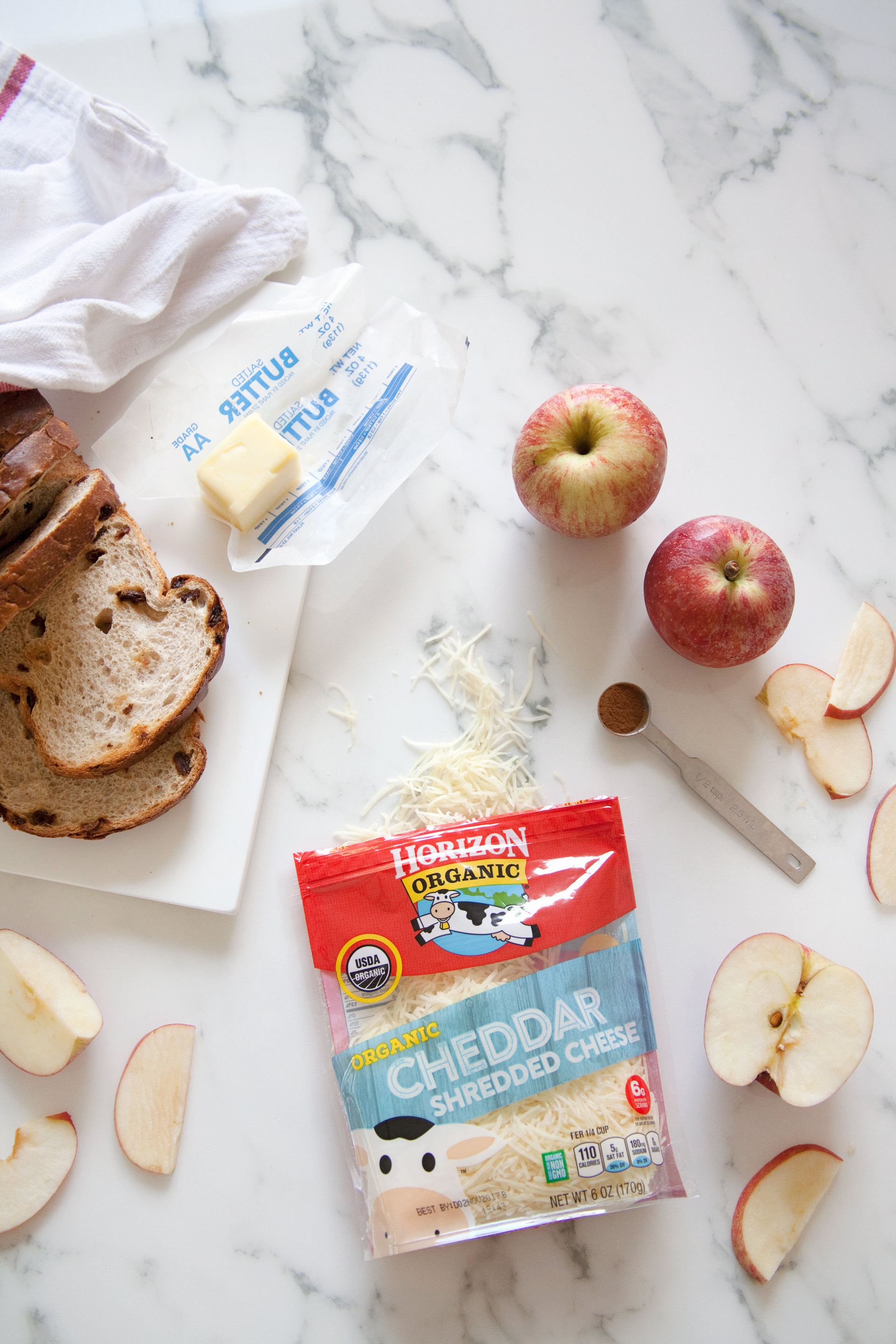 apple, cinnamon, and cheddar toasted cheese sandwiches
