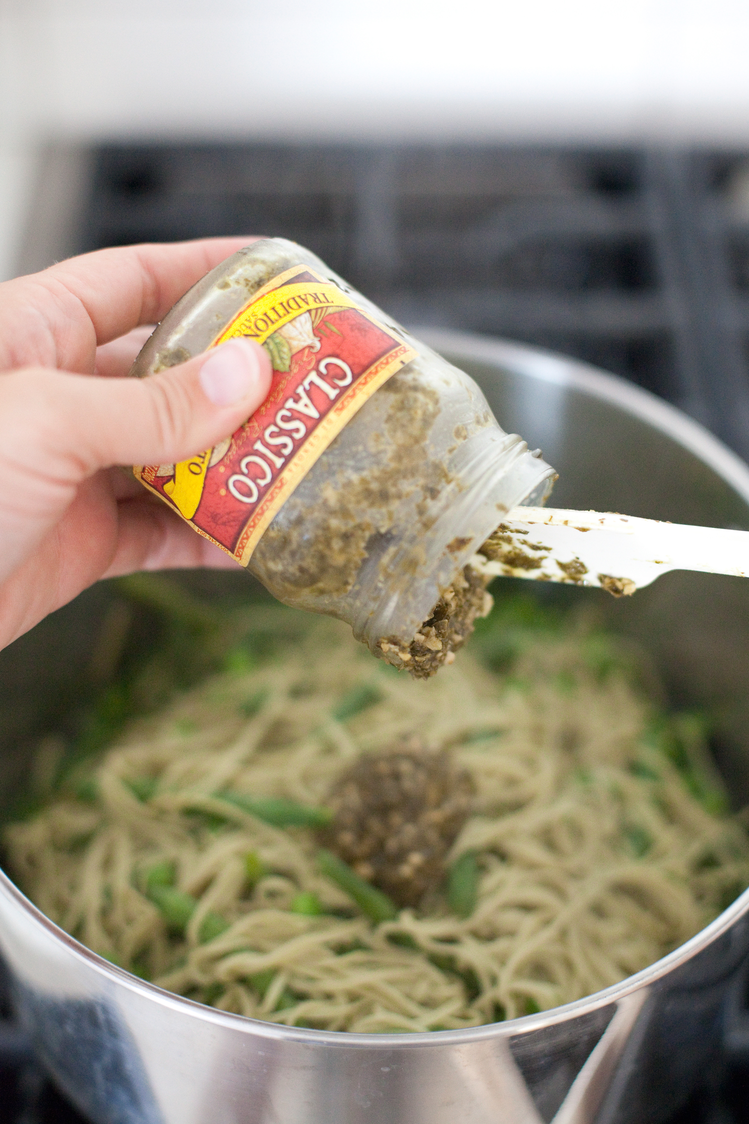 vegetarian high protein pesto pasta
